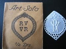 6 Monogrammen - S.O. - O.S  37 x 29 cm