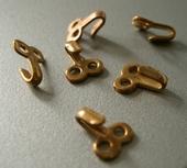 25 pcs Hooks 9 x 7 mm