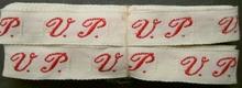 1 Initiaal - Lint V.P. Lint 1 cm breed
